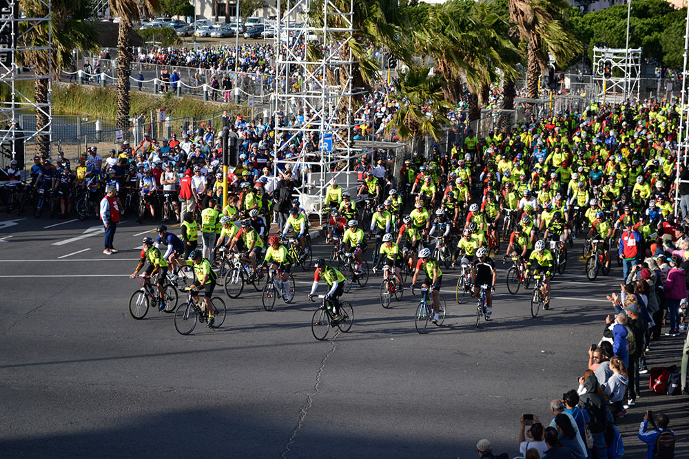 Stay Wider of the Rider Start Group Cape Town Cycle Tour